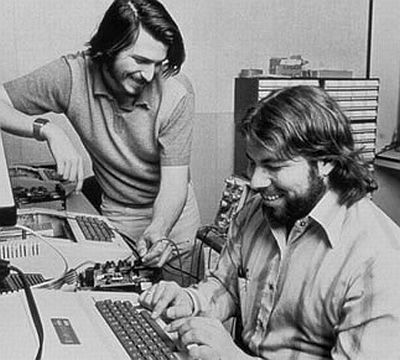 Steve Jobs e Steve Wozniak in garage