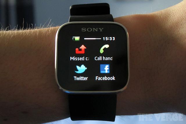 smartwatch foxconn sony
