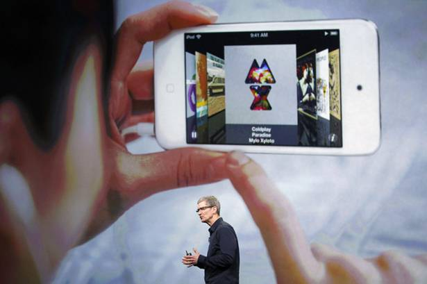 Tim Cook San Francisco presentazione apple tv e nuovo iPad