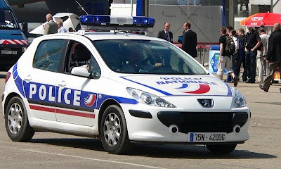polizia francia assalto furgone apple