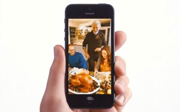 Spot Apple: svelato il photo sharing multiplo per iPhone 5