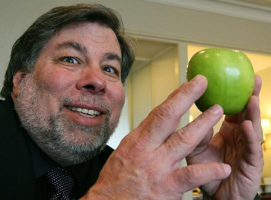 """Apple: Wozniak avverte """"bisogna aprire iTunes ad Android e WP"""""""