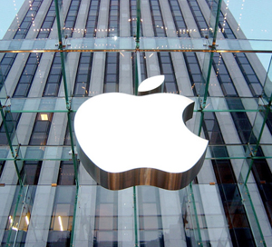Apple: tra le accuse dell'UE, vola a Wall Street